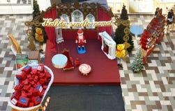 Kerstmis Santa Claus in de hoogste mening van de Panoramamarkt Stock Foto
