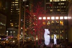 Kerstmis steekt de stads 6de weg aan van New York Royalty-vrije Stock Fotografie