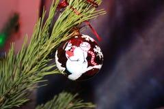 Kerstmis tree& x27; s stuk speelgoed Stock Foto