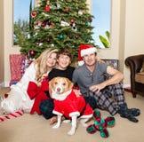 Kerstmis van de familie in Pyjama's royalty-vrije stock afbeelding