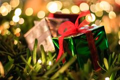 Kerstmis van de giftdoos en Nieuwe jaardecoratie, zachte nadruk royalty-vrije stock foto