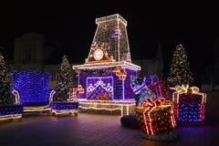 Kerstmis verfraaide straat Stock Foto's