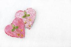 Kerstmisachtergrond - Bevroren harten in de sneeuw Royalty-vrije Stock Fotografie