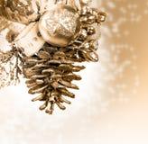 Kerstmisachtergrond met gouden knop Royalty-vrije Stock Foto