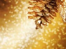 Kerstmisachtergrond met gouden knop Stock Afbeeldingen