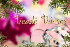 Kerstmisachtergrond met het Schrijven van Vrolijke Kerstmis in Tsjech Stock Fotografie