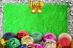 Kerstmisachtergrond met Kerstmisbal en patroon Royalty-vrije Stock Fotografie