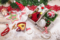 Kerstmisachtergrond met Kerstmisdecoratie Stock Afbeelding