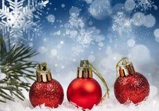 Kerstmisachtergrond met rode decoratie Stock Foto's