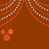Kerstmisachtergrond met slingers en decoratieve bal Stock Foto