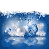 Kerstmisachtergrond met snuisterijen in blauw Royalty-vrije Stock Foto's
