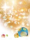 Kerstmisachtergrond met snuisterijen en copyspace. Stock Afbeeldingen