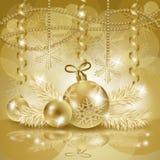 Kerstmisachtergrond met snuisterijen in goud Royalty-vrije Stock Afbeeldingen