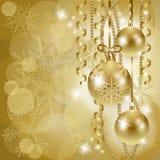 Kerstmisachtergrond met snuisterijen in goud Royalty-vrije Stock Foto