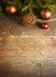 Kerstmisachtergrond met uitstekende decoratie Stock Fotografie