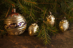 Kerstmisachtergrond met uitstekende decoratie Stock Foto's