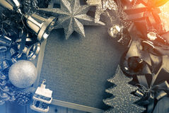 Kerstmisachtergrond met uitstekende kleurentoon Stock Foto's