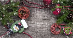 Kerstmisachtergrond met Witboek en sneeuw Stock Fotografie