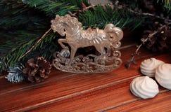 Kerstmisachtergrond op hout gift en heemst Royalty-vrije Stock Fotografie