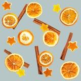 Kerstmisachtergrond van droge sinaasappelen, schil in de vorm van een ster en met kaneel Naadloze Achtergrond stock afbeelding