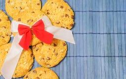 Kerstmisachtergrond van eigengemaakte koekjes Stock Foto