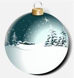 Kerstmisbal met de winterlandschap Stock Afbeeldingen