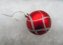 Kerstmisbal - Rood Royalty-vrije Stock Afbeelding