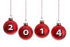 Kerstmisballen die bij een kabel met tekst 2014 hangen Stock Afbeeldingen