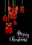 Kerstmisballen met rode lint en bogen Stock Fotografie