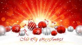 Kerstmisballen in sneeuw Royalty-vrije Stock Afbeeldingen