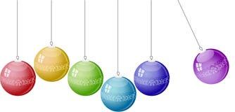 Kerstmisballen van de kleur op witte achtergrond. Royalty-vrije Stock Afbeelding