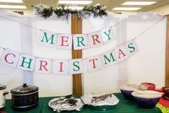 Kerstmisbuffet die op de mensen wachten stock afbeelding
