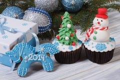 Kerstmiscake en blauw paard Royalty-vrije Stock Afbeeldingen