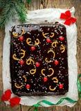 Kerstmiscake met de glans van de chocoladespiegel Royalty-vrije Stock Fotografie