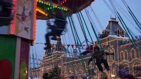 Kerstmiscarrousel in Moskou stock videobeelden