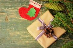 Kerstmisdecor en giftdoos Stock Afbeeldingen