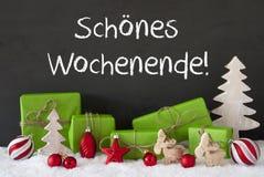 Kerstmisdecoratie, Cement, Sneeuw, de Middelen Gelukkig Weekend van Schoenes Wochenende Stock Foto's