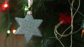 Kerstmisdecoratie in de vorm van een ster stock video