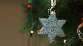 Kerstmisdecoratie in de vorm van een ster stock footage