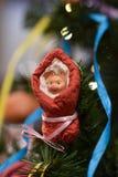 Kerstmisdecoratie in de vorm van een symbool van het komende jaar royalty-vrije stock fotografie
