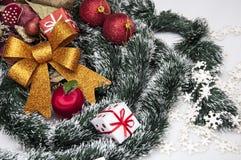 Kerstmisdecoratie en de winterthema Stock Afbeeldingen