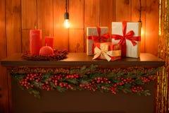 Kerstmisdecoratie en een spar Royalty-vrije Stock Foto's