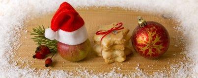 Kerstmisdecoratie en Kerstmanhoed Royalty-vrije Stock Afbeeldingen