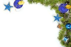 Kerstmisdecoratie met blauwe ornamentals en sterren Royalty-vrije Stock Afbeeldingen