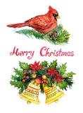 Kerstmisdecoratie met de takken van de pijnboomboom, bessen, klokken, hulst, Hoofdvogel en met de hand geschreven Vrolijke Kerstm Stock Afbeelding