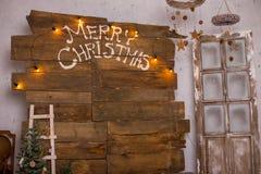 Kerstmisdecoratie met Kerstmissnuisterij en kaars voor komstseizoen vier kaarsen het branden Royalty-vrije Stock Foto's