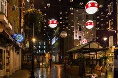 Kerstmisdecoratie op Barrett Street in Centraal Londen, het UK Royalty-vrije Stock Fotografie