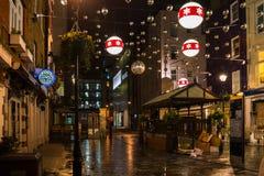 Kerstmisdecoratie op Barrett Street in Centraal Londen, het UK Stock Fotografie
