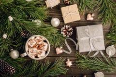 Kerstmisdecoratie op de houten achtergrond Stock Foto's