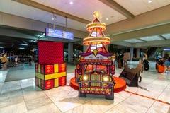 Kerstmisdecoratie op de de Luchthavennaia 2 terminal van Manilla, Metro Manilla, Filippijnen, 23 Nov., 2018 stock afbeeldingen